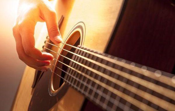 Quel critère vérifier avant l'achat d'un accordeur guitare ...